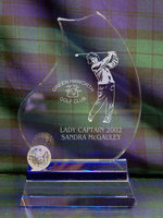 GOLF COURSE BLUE TROPHY WITH BALL 19CM