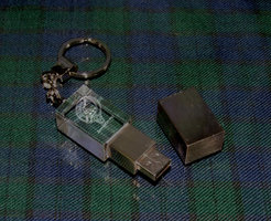 OPTICAL CRYSTAL MEMORY STICK KEYRING 4GB PRESENTATION BOXED