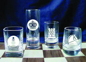 TOT GLASS CHESS SET PRESENTATION BOXED